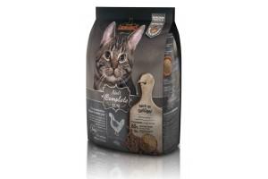 غذای خشک لئوناردو مخصوص گربه بالغ داخل خانه با فعالیت پایین/ 400 گرم/ LEONARDO Adult Complete 32/16