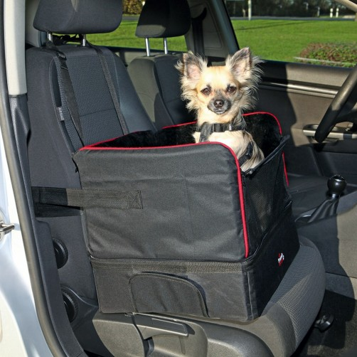 صندلی مخصوص نشستن سگ داخل اتومبیل